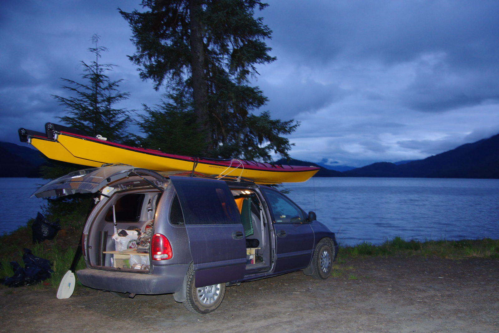 A Beginner's Complete Guide to Sea Kayaking - OutdoorVisit